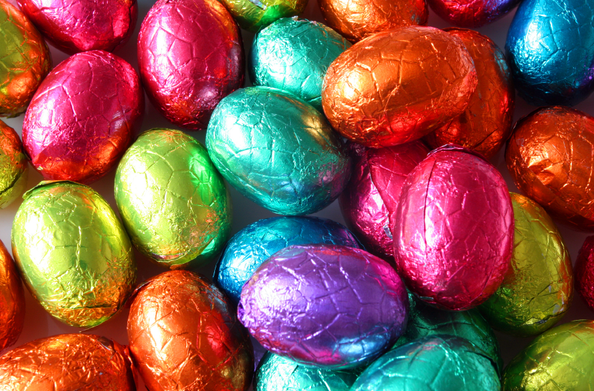 Romantic easter surprise kiss candy easter eggs negle Choice Image